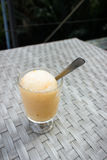 Lychee冰果汁牛奶冻 免版税库存照片