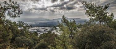Lycian足迹在土耳其,位于谷的温室的全景 图库摄影