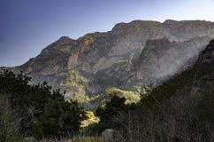 Lycian足迹在土耳其,山的看法用早晨太阳填装了 免版税库存图片