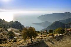 Lycian足迹,土耳其,从路的看法向与优秀,异常的海湾的海滩 库存图片