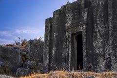 Lycian grobowiec w Kasa, Turcja obrazy royalty free