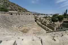 Lycian halvcirkelamfiteater i Myra i Turkiet Royaltyfria Foton