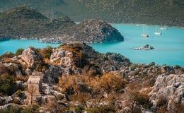 Lycian Simena坟茔和风景  免版税库存图片