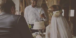 Lycka för bröllopDinning beröm tillsammans royaltyfria foton