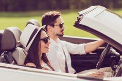 Lycka räckvidddestination, bröllopsresa, frihet, förhållande, Royaltyfria Foton