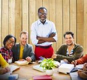 Lycka Team Concept för folkgemenskapsamhörighetskänsla Royaltyfri Bild