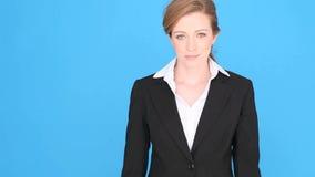 Lyckad affärskvinna Giving Thumbs Up stock video