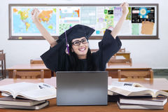 Lyckad doktorand i gruppen Arkivbild