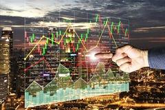 Lyckad finansiell investering för affär i fastighet arkivfoto