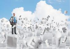 Lyckad säker affärsman i dräkt arkivfoto