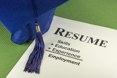 Lyckat anställningbegrepp med önskad meritförteckningformel Arkivfoto
