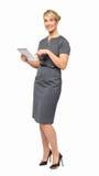 Lycklig affärskvinna Using Digital Tablet Royaltyfria Foton