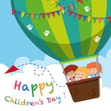 Lycklig affisch för dag för barn` s med ungar på ballongen royaltyfri illustrationer