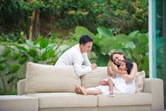 lycklig asiatisk familj Fotografering för Bildbyråer