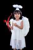 Lycklig asiatisk kinesisk liten ängel med pilbåge och pil Royaltyfria Foton
