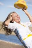 Lycklig attraktiv hög kvinnasommarstående Arkivfoto