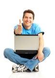 lycklig bärbar datorman Royaltyfria Bilder