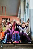Lycklig barngrupp i skola Royaltyfri Fotografi