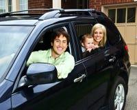 lycklig bilfamilj Royaltyfri Fotografi
