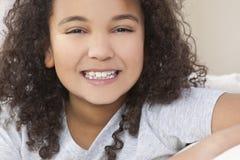lycklig blandad race för afrikansk amerikanbarnflicka Fotografering för Bildbyråer