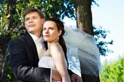 lycklig brudbrudgum Arkivfoto