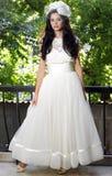 lycklig bruddag henne bröllop arkivbilder