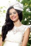 lycklig bruddag henne bröllop arkivfoton