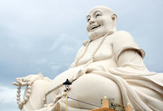 Lycklig Buddha med pärlor i Vietnam Royaltyfria Bilder