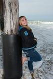 Lycklig dag på stranden arkivfoton