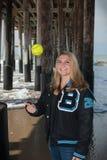 Lycklig dag på stranden arkivfoto