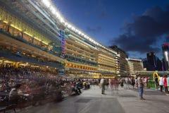 Lycklig dalRacecourse i Hong Kong Royaltyfri Foto