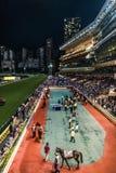 Lycklig dalracerbana Hong Kong för hästkapplöpning Fotografering för Bildbyråer