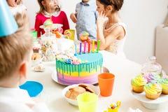 lycklig deltagare för födelsedag royaltyfri fotografi