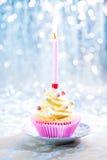lycklig födelsedagmuffin Royaltyfri Foto