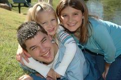 lycklig familj 3 Arkivbilder