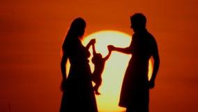 lycklig familj lager videofilmer