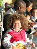 lycklig familj ha picknicken Royaltyfria Bilder
