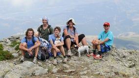 Lycklig familj i den Gennargentu nationalparken Arkivfoton