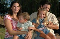 lycklig familj tillsammans Royaltyfri Bild