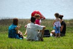 lycklig familj utomhus Royaltyfria Bilder