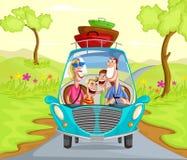Lycklig familjresande i bil Arkivbilder