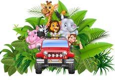Lycklig ferie djura africa i den röda bilen Arkivfoton