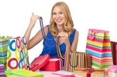 Lycklig flicka, når att ha shoppat Arkivfoton