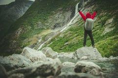 Lycklig fotvandrare och slingan fotografering för bildbyråer