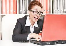 Lycklig framgångaffärskvinna arkivfoto