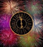 Lycklig fyrverkerihelgdagsafton för nytt år Arkivfoto