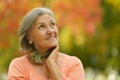 lycklig gammal kvinna Arkivfoton