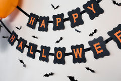 Lycklig girland för papper för halloween partisvart Arkivbild