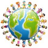 Lycklig grupp av barn som runt om världen står royaltyfri illustrationer