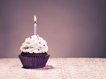 lycklig hälsning för födelsedagkortmuffin Royaltyfria Foton